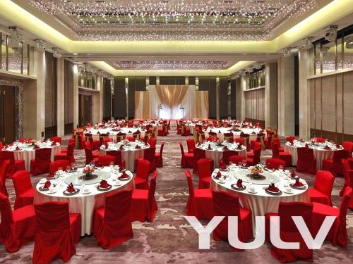 广州粤海喜来登酒店豪华宴会厅 - 圆桌婚礼布置