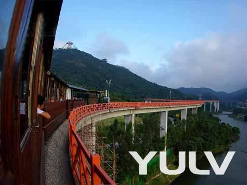 深圳东部华侨城主题公园--小火车