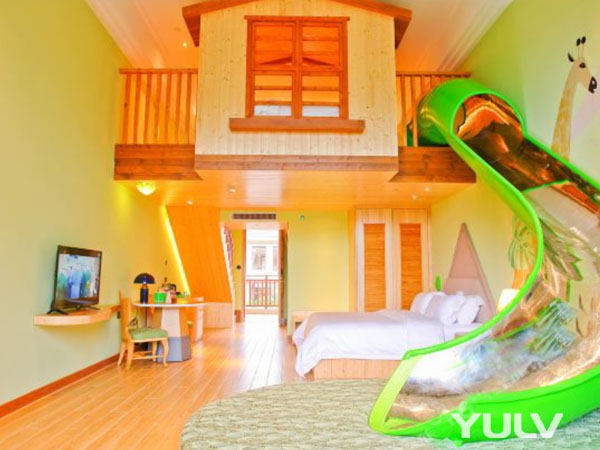 丛林探险主题复式亲子双床房